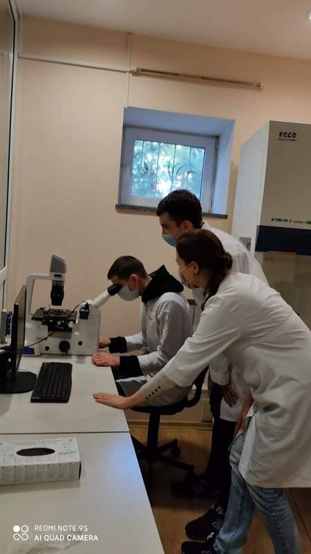 Лабораторія мікробіології, імунології та біотехнологій